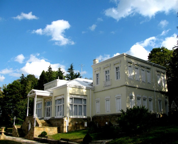 The Golden Hill villa